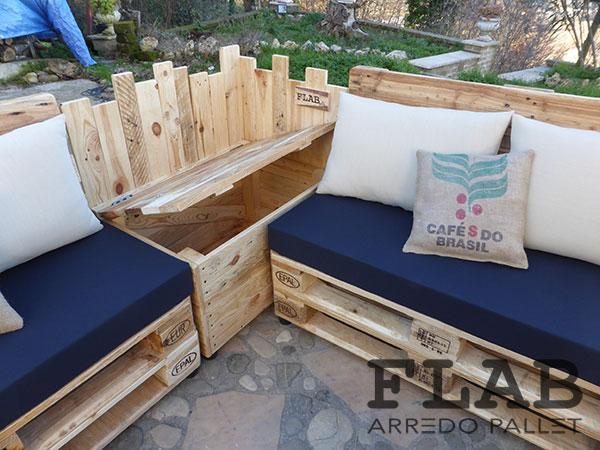 Gallery of abbiamo studiato un arredo esterno versatile for Arredo giardino low cost