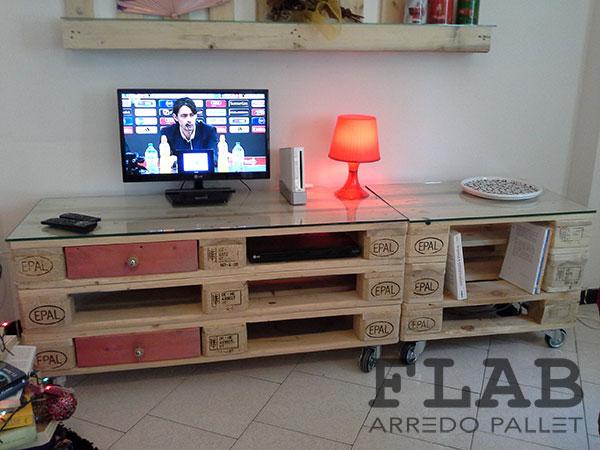 Credenza Con I Pallet : Mobili tavoli sedie in pallet flab arredo arredamento