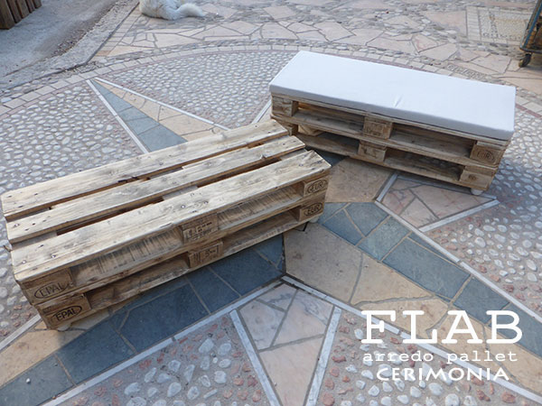Noleggio arredi in pallet per cerimonie flab arredo pallet for Negozi arredamento low cost